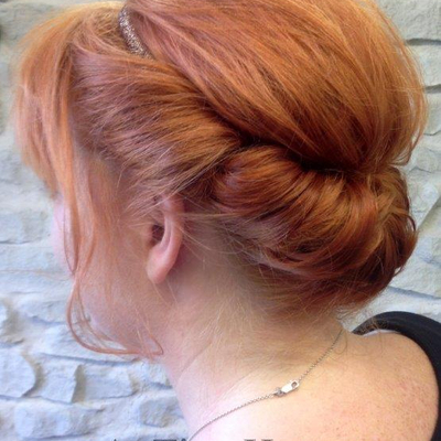 Haarband-Frisur