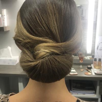 Brautfrisur-chignon-elegant