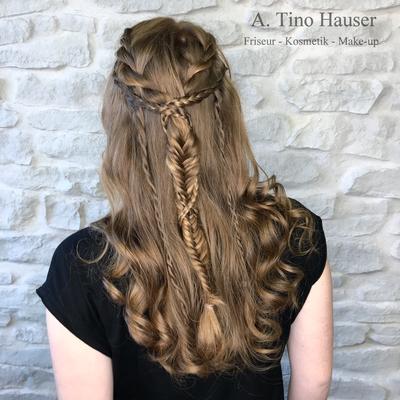 Boho-look-steckfrisur-halboffene-haare-geflochten-gekordelt-zoepfe